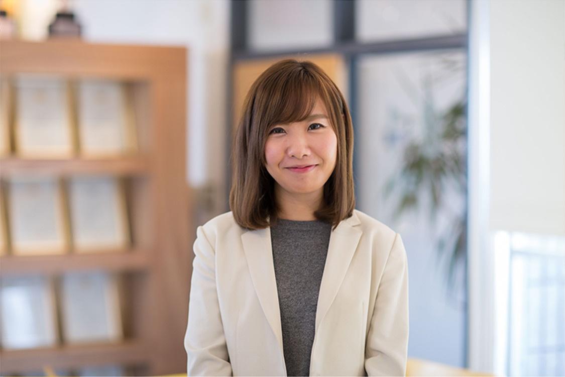 社員インタビュー ダイレクトマーケティングゼロ 上原涼子 写真